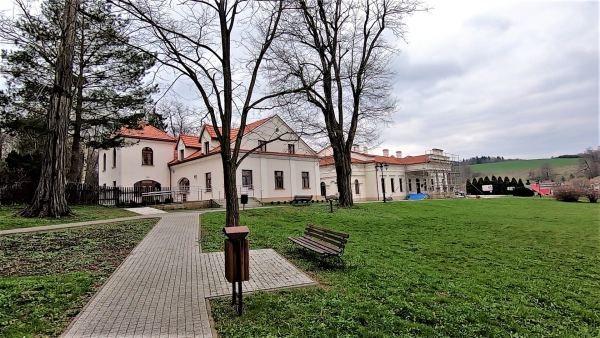 Wycieczka w Pogórze Rożnowskie z Szalowej do Jamnej